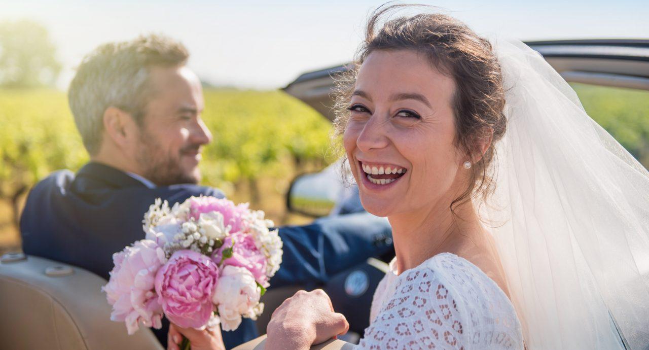 Weddings - Bride and Groom in Car - IBIS Forum Venue Stevenage